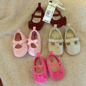Multiple newborn shoes